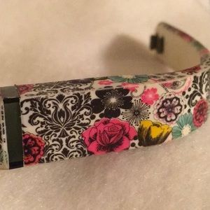 Pretty & Unique Floral Fitbit Band EUC